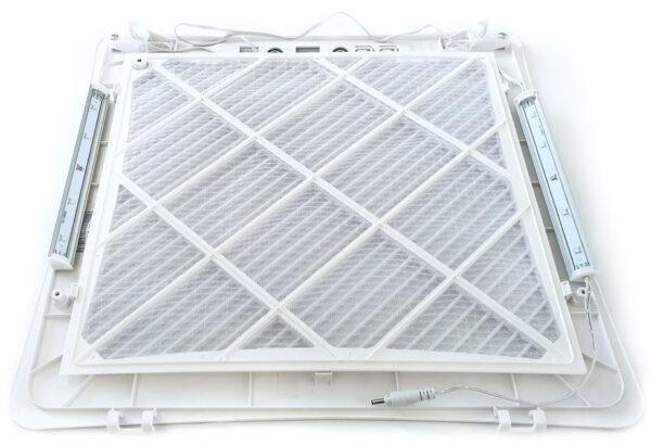 Einbau des Nachrüst-Sets für antivirale Raumluft - UV Technologie in der Klimaanlage
